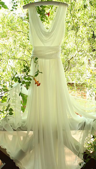 rochie de mireasa, nunta traditionala romaneasca, nunta la ferma, motive romanesti