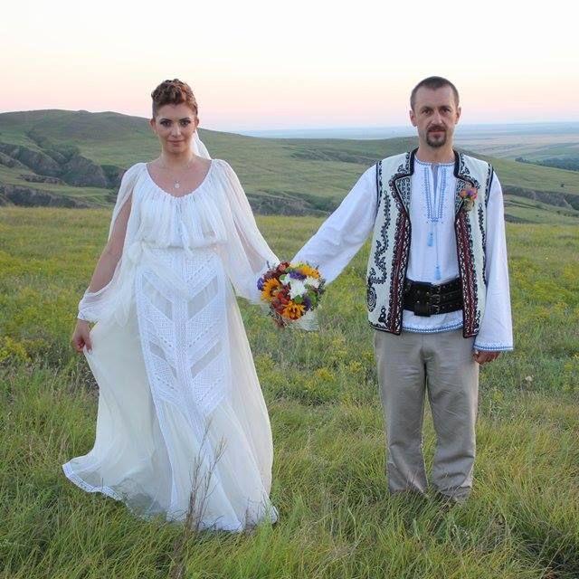 Nunta Traditionala Costume Ii Si Camasi Stilizate Pagină 28